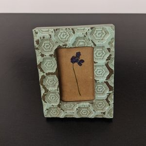 4x3 shabby chic frame with spring flower press
